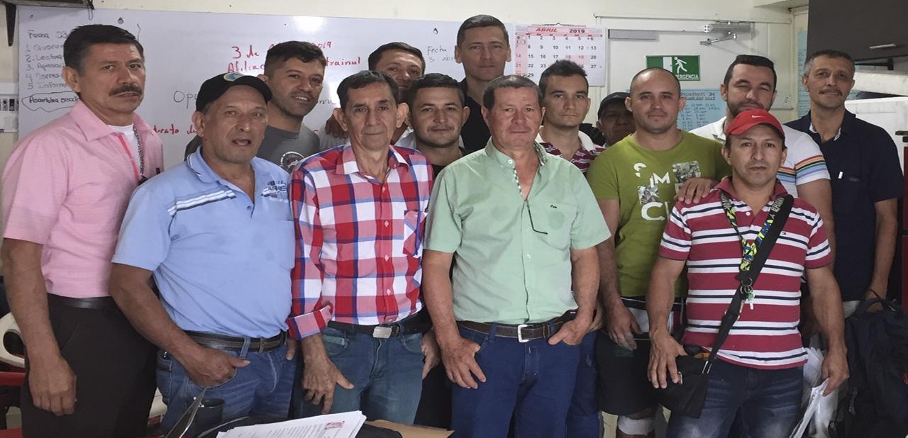 Amenazados por Afiliarse a Sinaltrainal | imagen | SINALTRAINAL : : Sindicato Nacional de Trabajadores del Sistema Agroalimentario